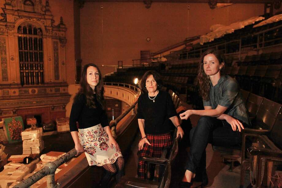 Kate Goldstein-Breyer, Sydney Goldstein and Holly Mulder-Wollan at the Nourse in 2011. Photo: Lea Suzuki, The Chronicle
