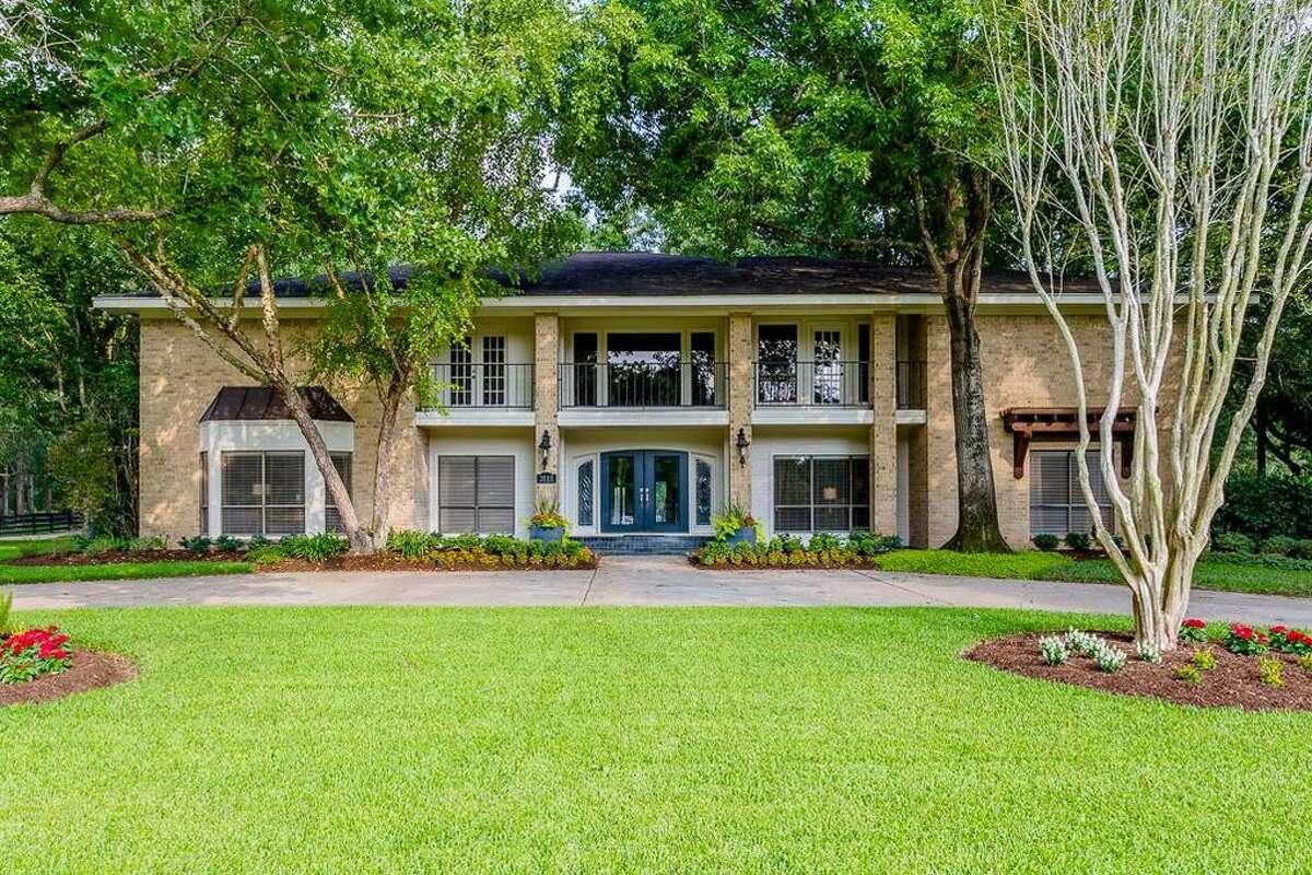 The Katy home of legendary University of Houston quarterback David Klingler is listed for sale on Realtor.com for $1.69 million.