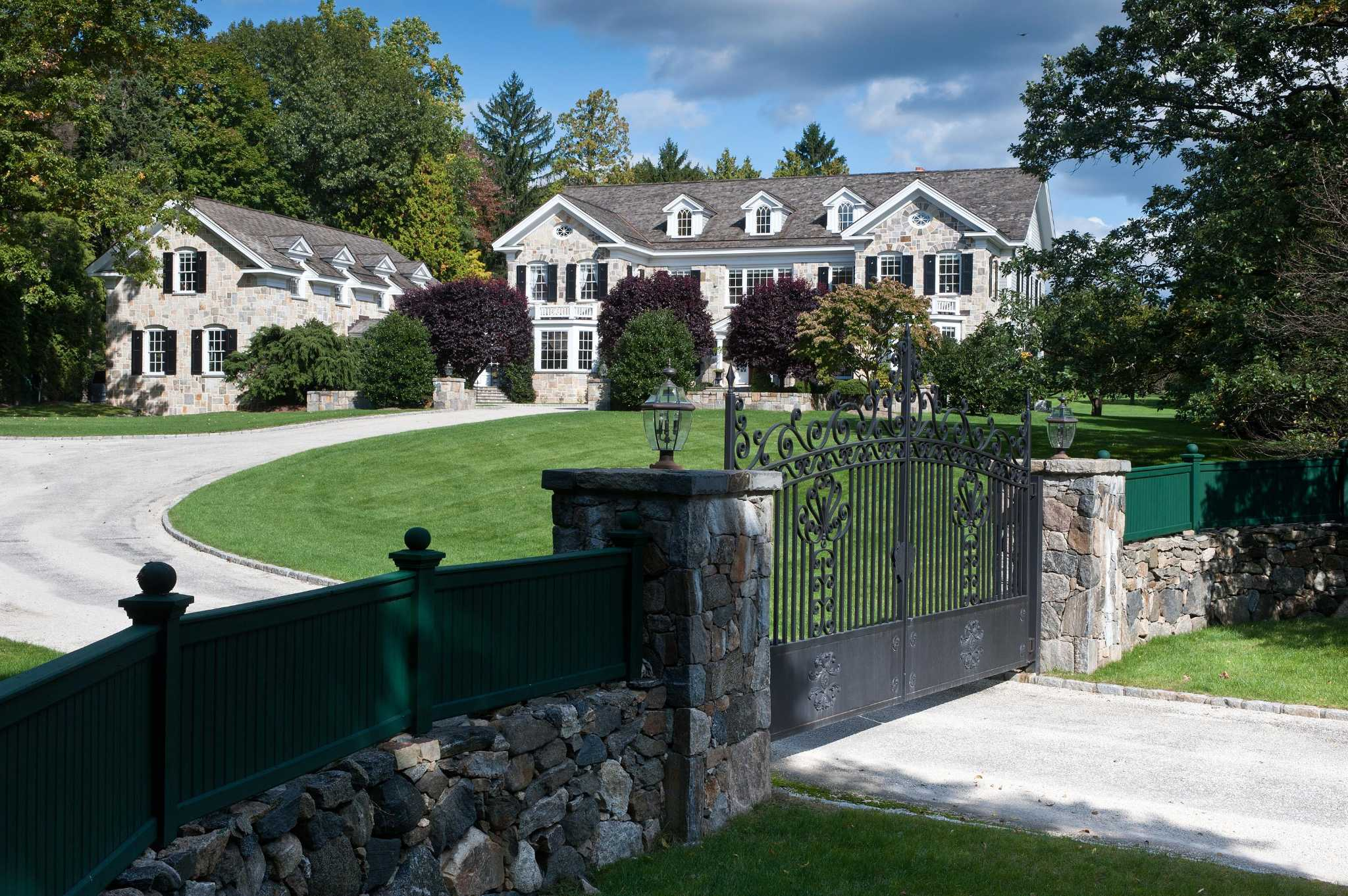 Greenwich estate to sell in global luxury auction for Luxury home builders usa
