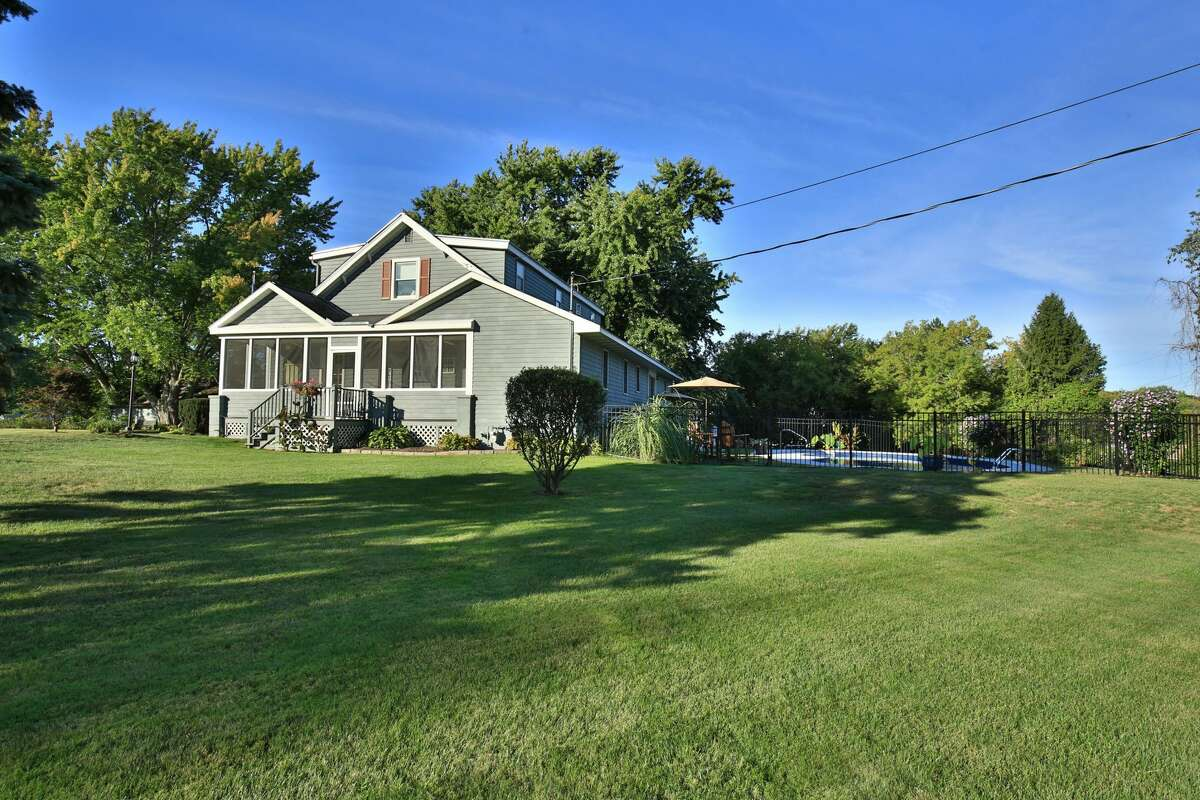 House of the Week: 509 Grange Rd., Brunswick | Realtor: Deborah Symanski of RealtyUSA | Discuss: Talk about this house
