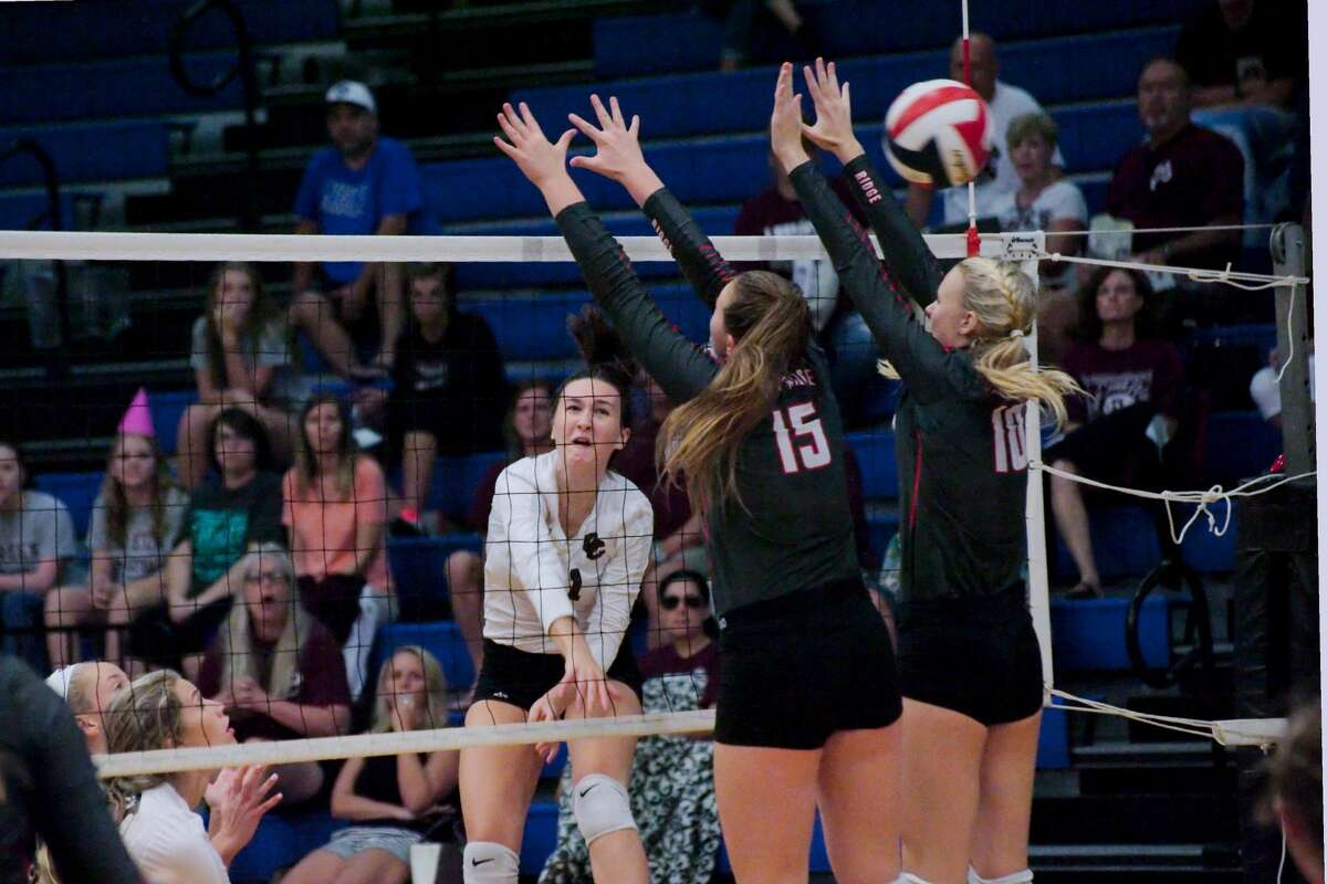 Clear Creek & Oak Ridge volleyball Of all the regions in Texas volleyball, Region III in Class 6A is arguably one of the best and deepest around. That's what made Clear Creek's run to the title game even more impressive. The Wildcats didn't lose to a team in Region III, which has only one repeat winner since 2004. On the other side was Oak Ridge, which repeated as Region II-6A champion and climbed to No. 1 in multiple national rankings. The War Eagles were 48-0 going into the state semifinals before falling to Lewisville Hebron, which then beat Clear Creek to repeat as state champions.