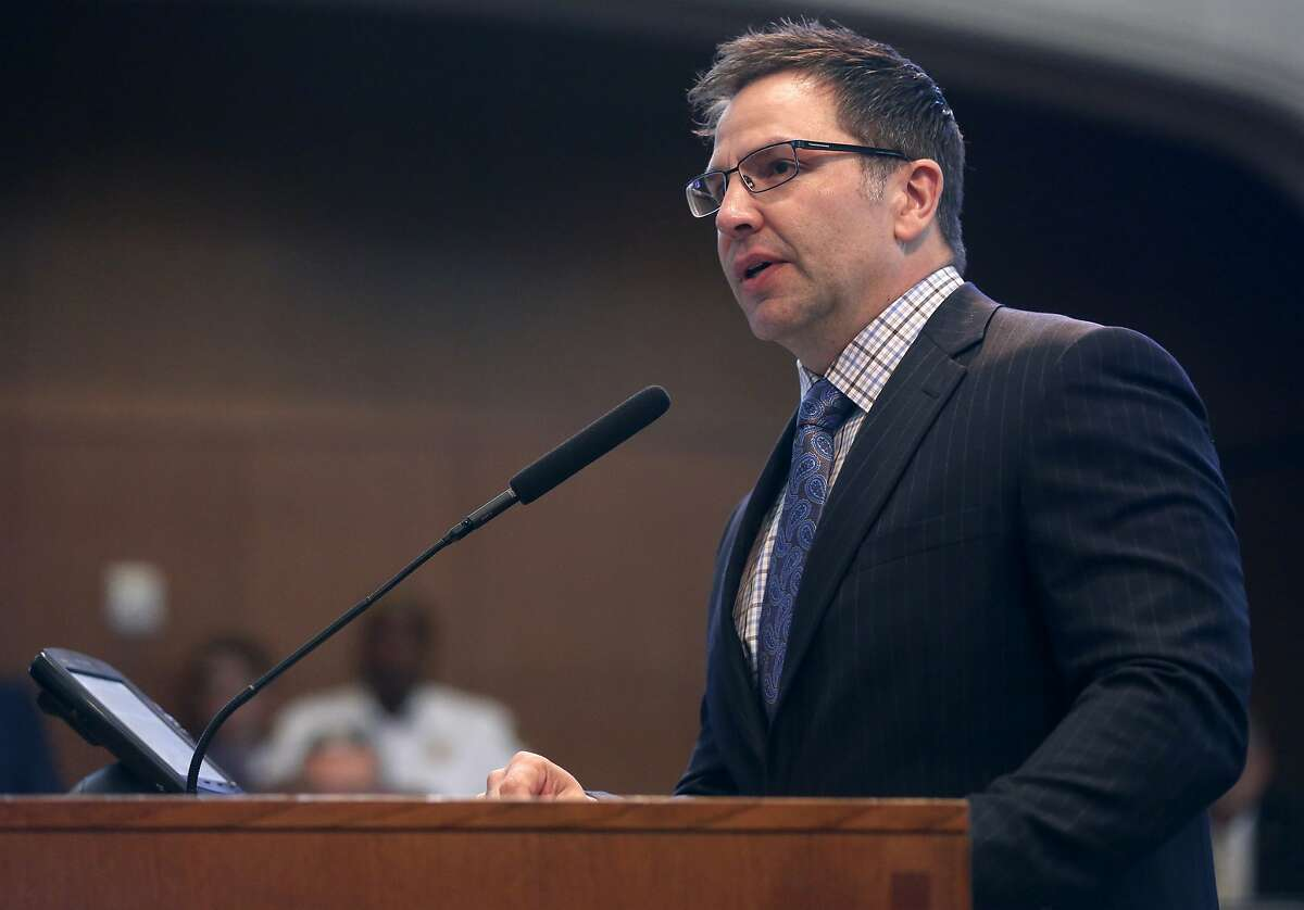 San Antonio deputy city manager Peter Zanoni addresses the city council Thursday, Dec. 1, 2016 during a presentation about annexing a commercial portion of far north US 281.