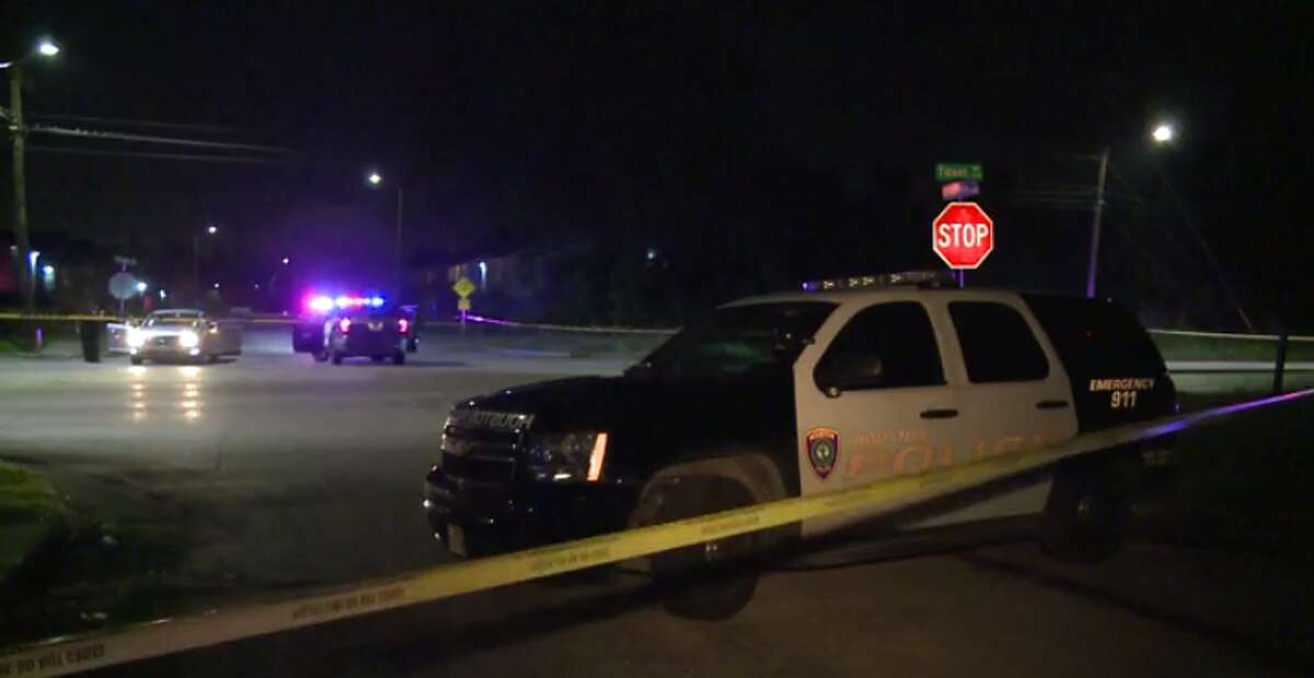 Police are investigating the death of a man found in a car in northeast Harris County late Thursday or early Friday who appeared to have been shot. (Metro Video)