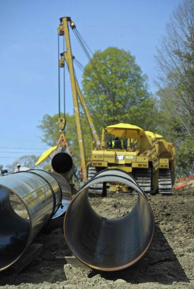 Construction on the Algonquin pipe line expansion project in Danbury, Conn., in May 2016. Photo: H John Voorhees III / Hearst Connecticut Media / The News-Times