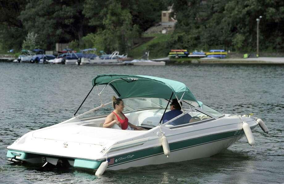 File photo of a boat on Candlewood Lake Photo: Carol Kaliff / Carol Kaliff / The News-Times