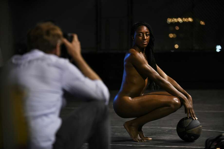 """ESPN releases preview of 2017 Body Issue ESPN the Magazine's ninth annual Body Issue hit newsstands this summer, and ESPN provided a preview of this year's athletes in the buff.  As they do every year, ESPN picked out some of the year's best athletes and had them pose """"tastefully"""" nude to show off their athletic form. You can label these photos as tasteful, because although fully nude, the most you see is a bit of posterior, usually shot from a side angle. Find out more.  Photo: Eric Lutzens"""