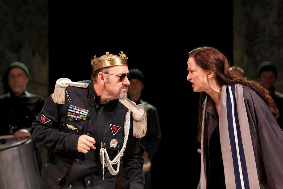 """Richard III (Kevin Spacey) confronts an angry Queen Elizabeth (Haydn Gwynne) in the Bridge Project tour of Sam Mendes' Old Vic production of """"Richard III."""" Photo: Manual Harlan"""