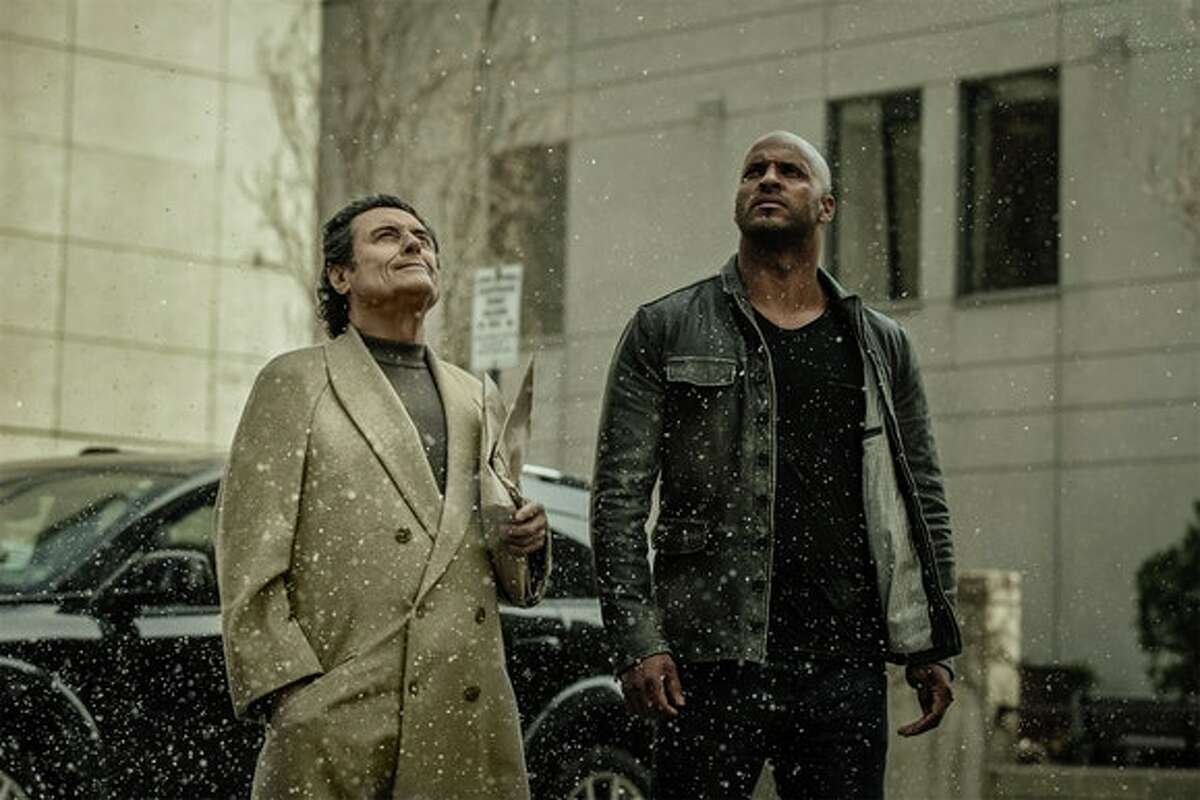 American Gods This new series is a visually dazzling adaptation of Neil Gaiman's novel about a battle between the old gods of mythology and the new gods of technology and media. Strange, sexy and darkly funny, the series captures the dreamlike quality of the novel and features some wonderful performances from a diverse and talented cast. (Starz)