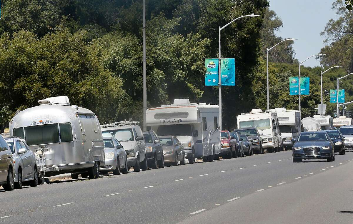 Palo Alto is beginning the enforcement of a 72-hour parking ordinance for about 50 motor homes parked along El Camino Real including those next to Stanford on Thursday, June 29, 2017, in Palo Alto, Calif.