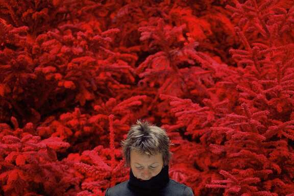 """Sophie Calle,�""""Take care of yourself. Laurie Anderson� (2007, video detail)"""