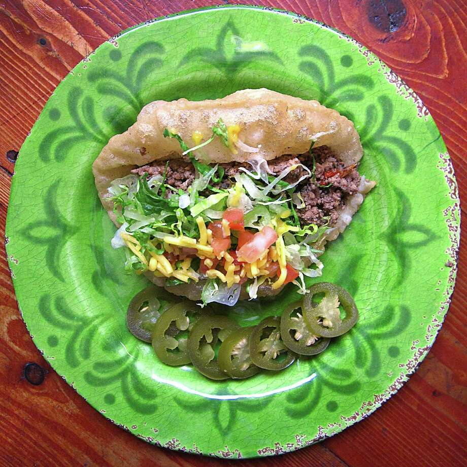 Beef puffy taco from La Nueva Pasadita. Photo: Mike Sutter /San Antonio Express-News