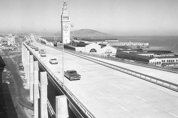 A section of the Embarcadero Freeway opens , February 1959, looking north