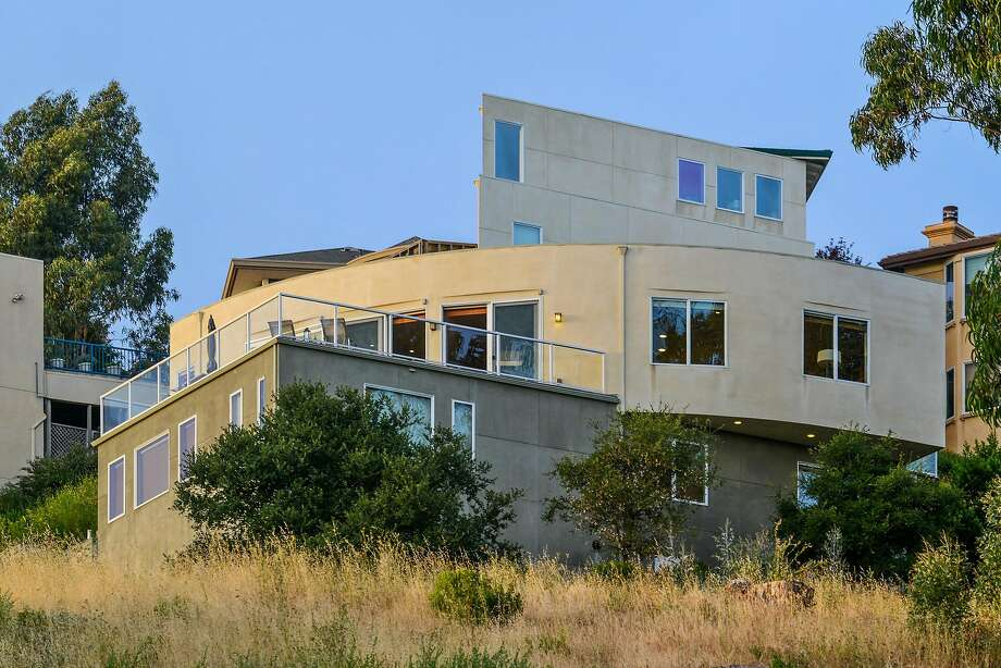 6401 Thorndale Drive in Oakland is a three-bedroom trilevel available for $2.599 million. Photo: Daniel Lunghi
