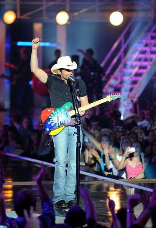 NASHVILLE, TN - JUNE 09:  Musician Brad Paisley performs onstage at the 2010 CMT Music Awards at the Bridgestone Arena on June 9, 2010 in Nashville, Tennessee.  (Photo by Jason Merritt/Getty Images) *** Local Caption *** Brad Paisley Photo: Jason Merritt, Getty Images / 2010 Getty Images