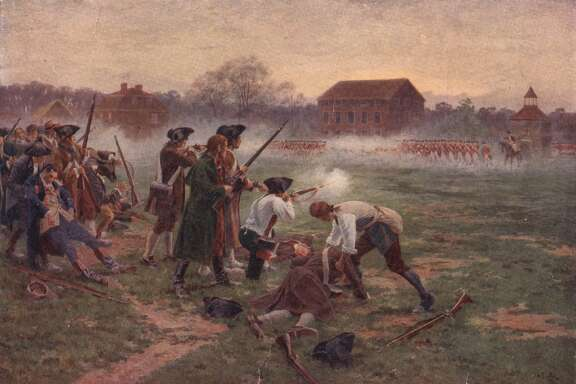 The First Shots Minutemen facing British soldiers on Lexington Common, Massachusetts, in the first battle in the War of Independence, 19th April 1775. Original artist William Barnes Wollen. (Photo by Hulton Archive/Getty Images) Restrictions Restrictions: Contact your local office for all commercial or promotional uses. Full editorial rights UK, US, Ireland, Canada (not Quebec). Restricted editorial rights for daily newspapers elsewhere, please call. Details Credit: Hulton Archive / Stringer