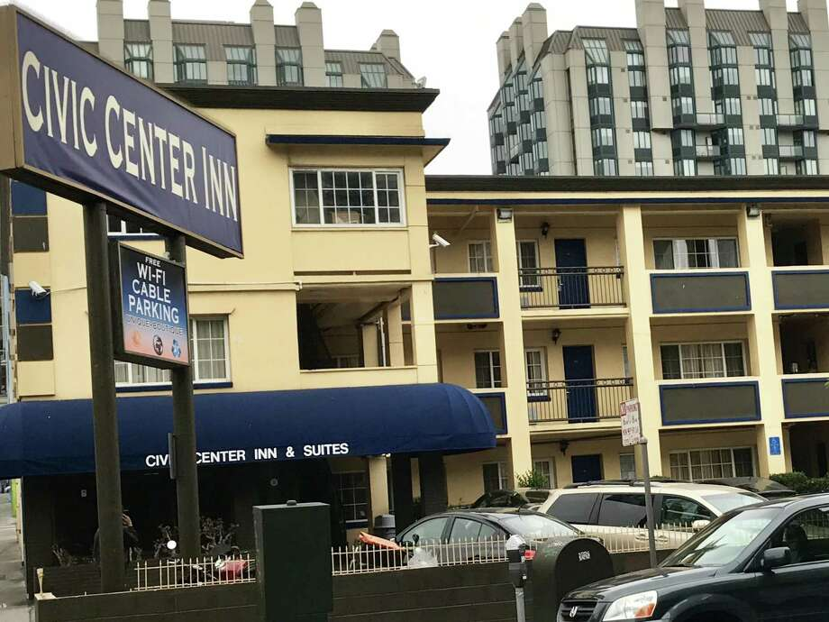 The Civic Center Inn in San Francisco, where police paid to put up a homeless mother and her 2-year-old daughter who couldn't find shelter. Photo: Chronicle Staff / Chronicle Staff
