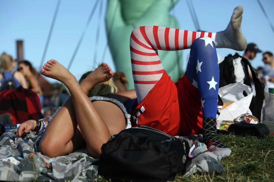 Scenes from Fourth of July celebrations, Tuesday, July 4, 2017 at Gas Works Park. Photo: GENNA MARTIN, SEATTLEPI.COM / SEATTLEPI.COM