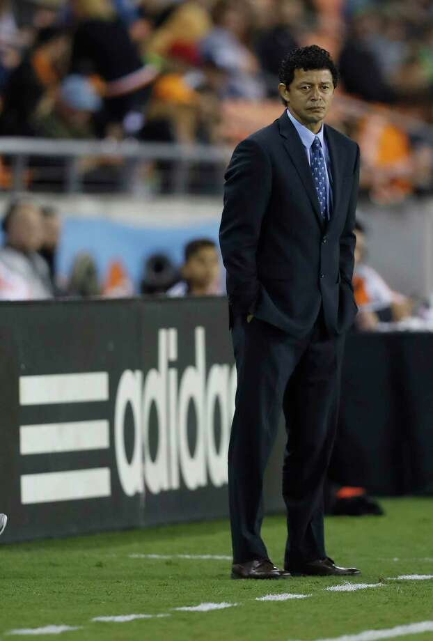 Houston Dynamo head coach Wilmer Cabrera on the sidelines during the first half of the season opening MLS soccer game at BBVA Compass stadium, Saturday, March 4, 2017, in Houston.  ( Karen Warren / Houston Chronicle ) Photo: Karen Warren, Staff Photographer / 2017 Houston Chronicle