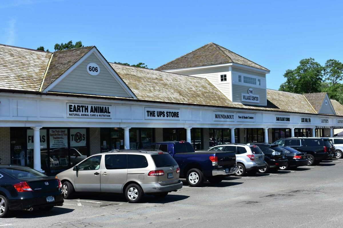 In June 2017, the Connecticut Department of Banking issued a cease-and-desist order and intent to fine Signal Lake, an investment firm listing an address at the 606 Post Rd. East plaza that includes the UPS Store.