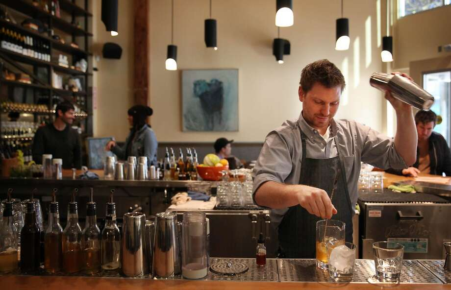 Alta, known for its cocktails and new American menu, recently closed in the mid-Market area. Like many restaurants near the companies, it struggled to get the local tech workers to buy meals. Photo: Lea Suzuki / The Chronicle
