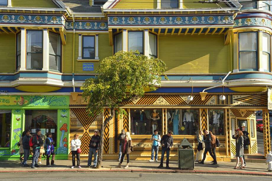 Haight Ashbury Neighborhood,  San Francisco, USA Photo: Christian Heeb/Getty Images/AWL Images RM
