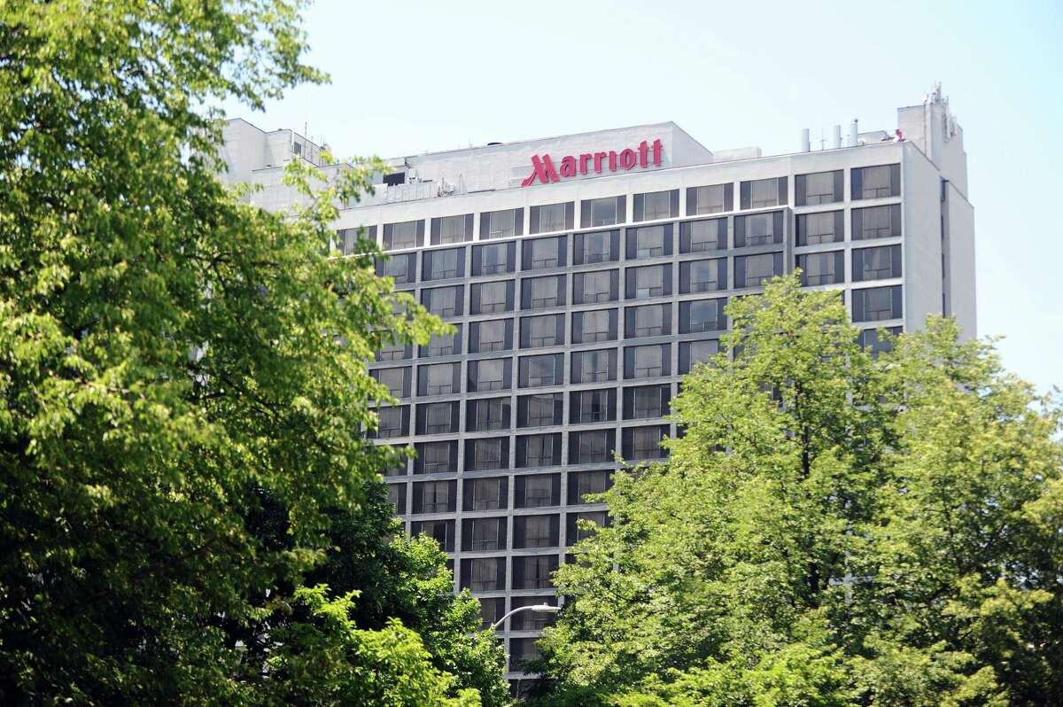 Northern Lights Lounge at Stamford Marriott Lunch: $20.17 | Dinner: $35.17