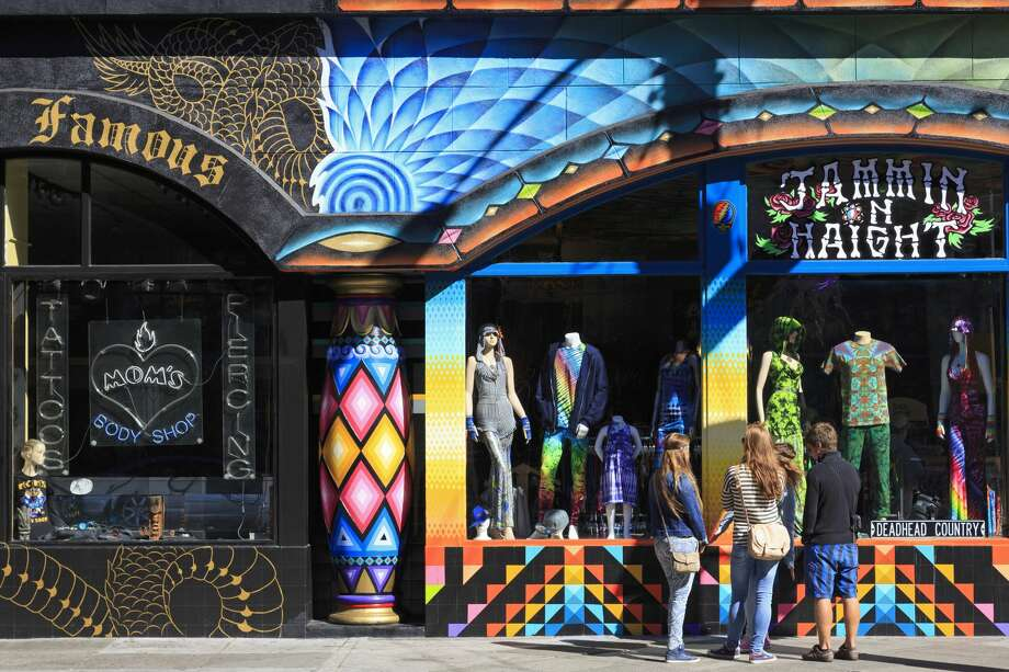 Stores in Haight-Ashbury District,San Francisco,California,USA Photo: Richard Cummins/Getty Images/Lonely Planet Images