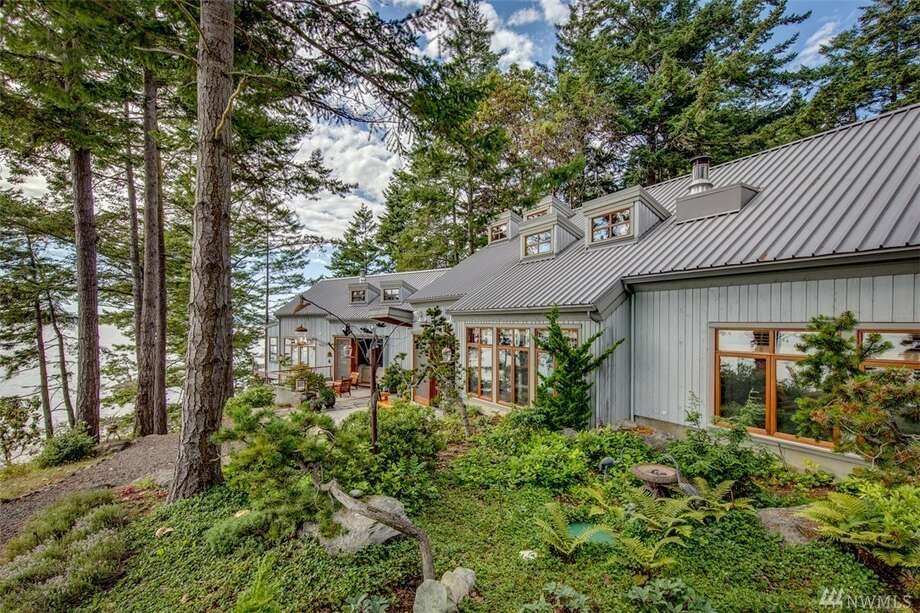 This luxury home in Port Townsend is listed for $2.4 million.You can see the full listing here. Photo: Photos By Kelvin Hughes/listing Courtesy Dale Barron, John L. Scott/Pt. Townsend