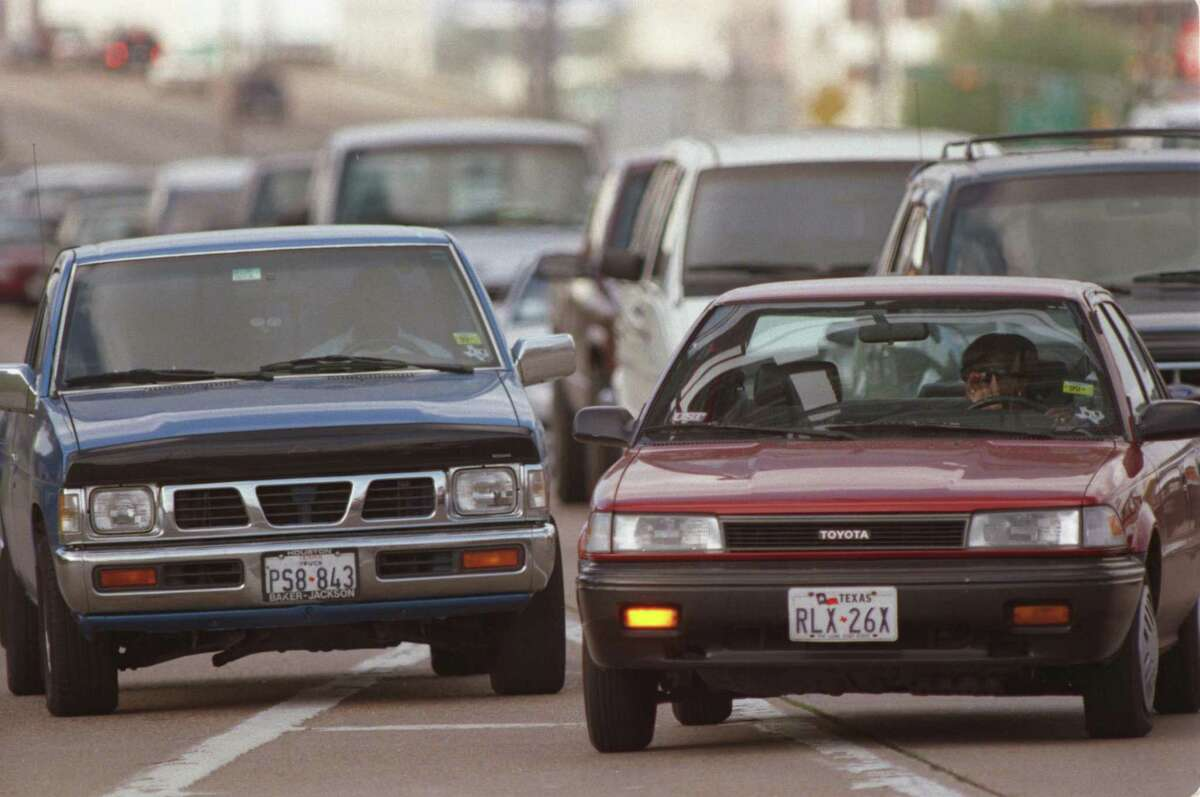 A driver signals and makes a move on Loop 610 near Richmond in west Houston in 2004. We don't know if conceal carry laws in Texas are responsible for the state's road rage incidents, but loosening the training that permitting requires will certainly not help.