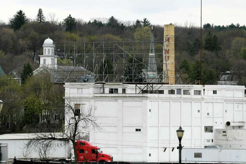 View of the former Beech-Nut plant on Wednesday, April 19, 2017, in Canajoharie, N.Y. EPA tests found unsafe levels of asbestos in piles of demolition debris and on portions of the exterior and interior of the former food plant. (Will Waldron/Times Union)
