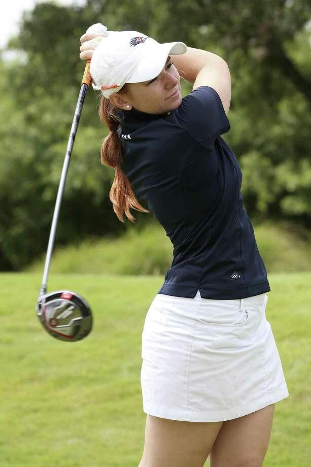University of Texas at San Antonio golfer Nikki Long practices at Briggs Ranch Golf Club, Monday, July 3, 2017. Photo: JERRY LARA / San Antonio Express-News / San Antonio Express-News