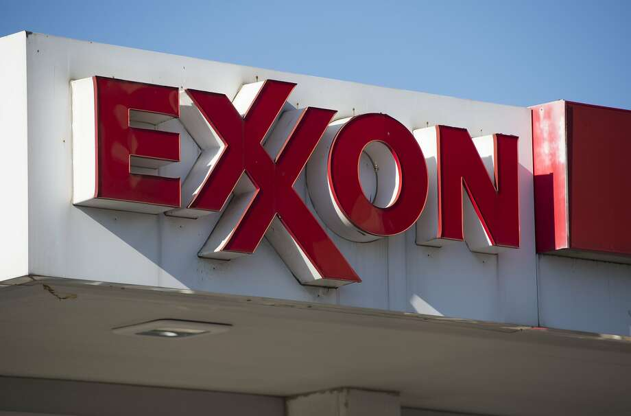 According to the lawsuits, 37 defendants —  including big industry names such as Chevron, ExxonMobil, Shell, Citgo,  Marathon and others — accounted for 20.3 percent of greenhouse emissions  between 1965 and 2015. Photo: SAUL LOEB, AFP/Getty Images