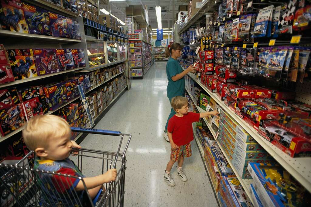 Toys R Us Collapses Into Bankruptcy Buckling Under LBO Debt - Babies r us gulf coast town center