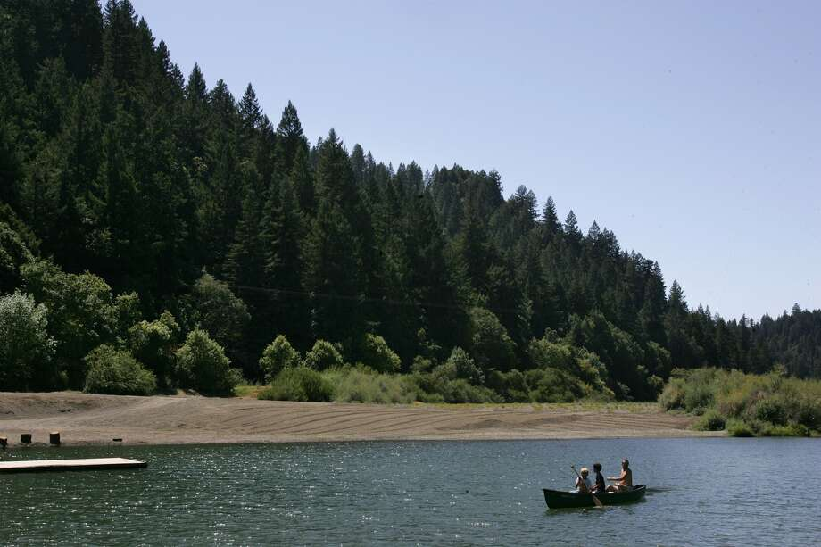 Monte Rio, CA– View of the beach at exclusive Bohemian Club's Russian River encampment, August 16, 2006. The club wants to double logging in its 2,700–acre property in Sonoma County, about 70 miles north of San Francisco. Photo: (Photo By Spencer Weiner/Los Angeles Times Via Getty Images)