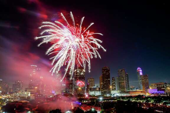 Houston's official celebration brought more than 40,000 people downtown for music and fireworks. ( Michael Ciaglo / Houston Chronicle )
