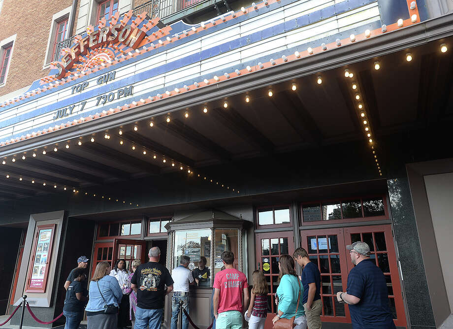 Movie goers line up at the ticket booth for the Jefferson Theatre's Classic Movie Night showing of Top Gun Friday. Photo taken Friday, July, 7, 2017 Kim Brent/The Enterprise Photo: Kim Brent / BEN