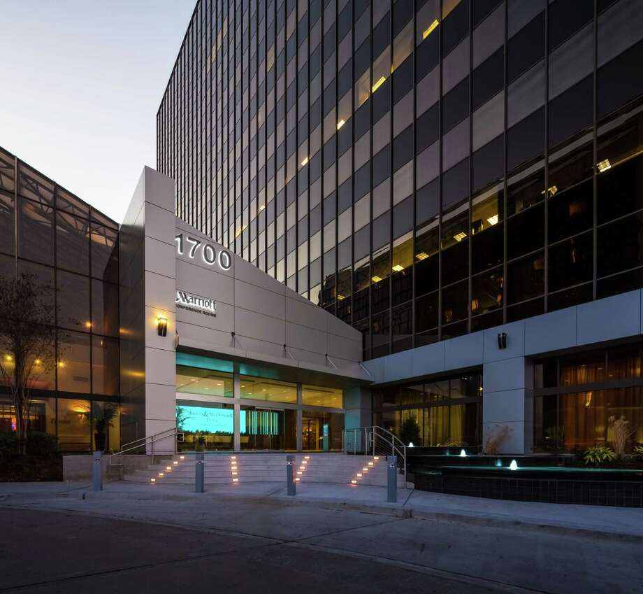 Lingerfelt CommonWealth Partners has acquired Burns & McDonnell Plaza, a 14-story office building at 1700 West Loop, for $52 million. Photo: Lingerfelt CommonWealth Partners