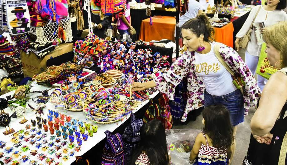 Artisan vendors share handmade crafts, culture at 15th