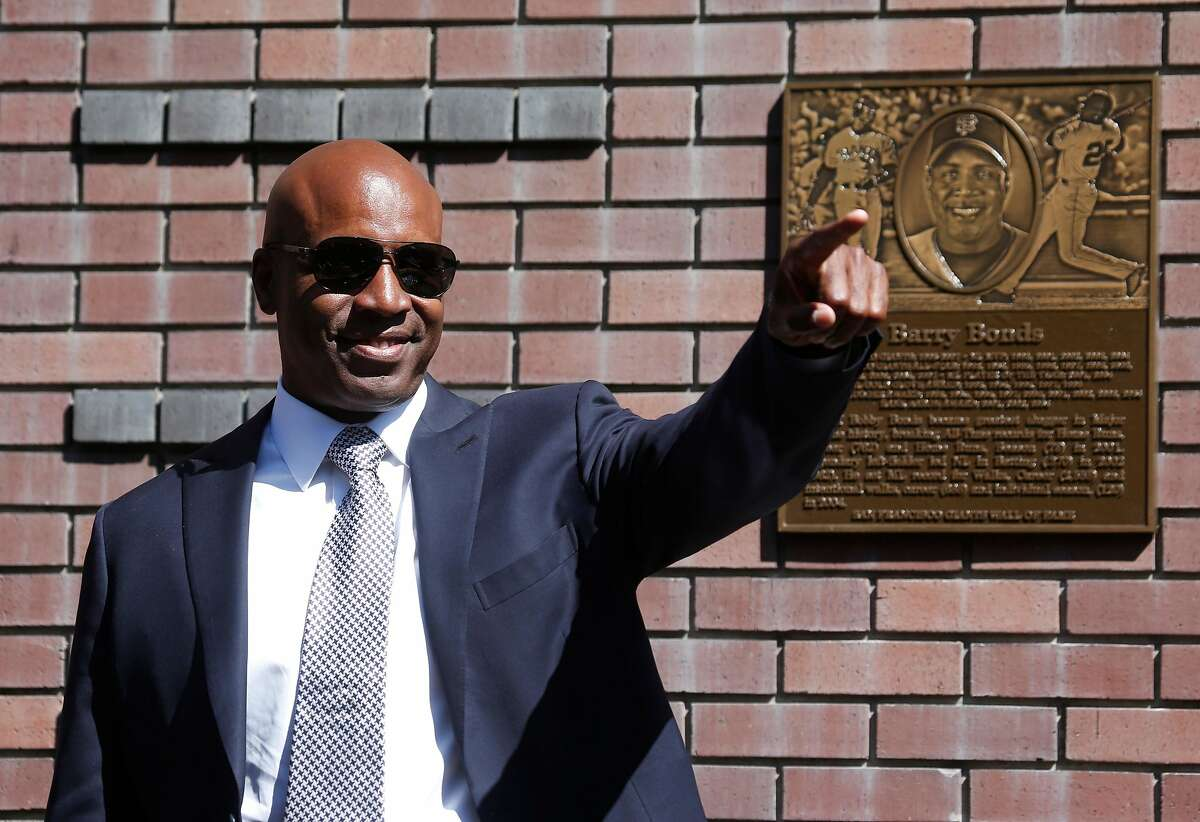 Barry Bonds is enshrined on the Giants' Wall of Fame during a ceremony on King Street outside of AT&T Park in San Francisco, Calif. on Saturday, July 8, 2017.