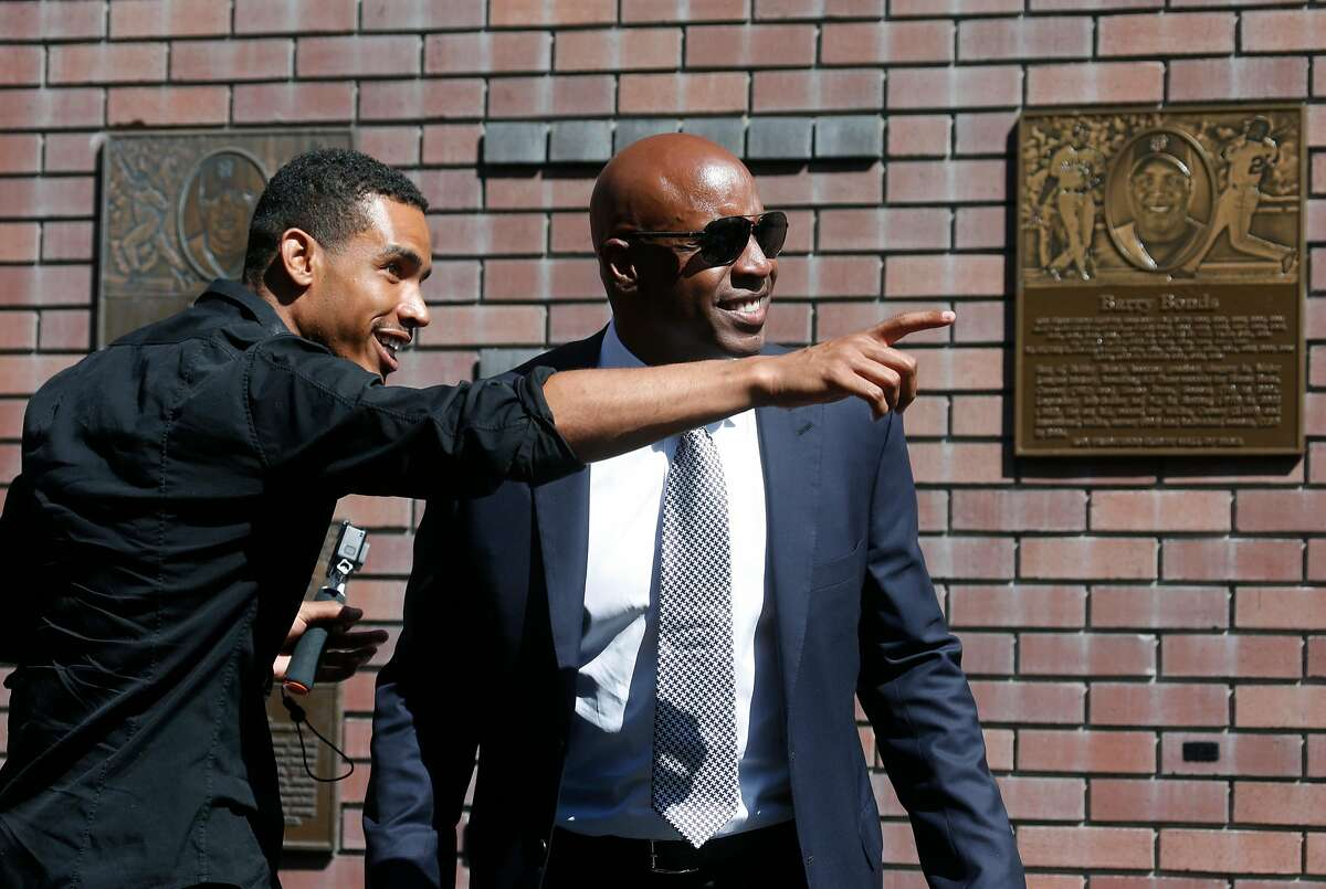 Bonds and son Nikolai acknowledge family, friends and fans.
