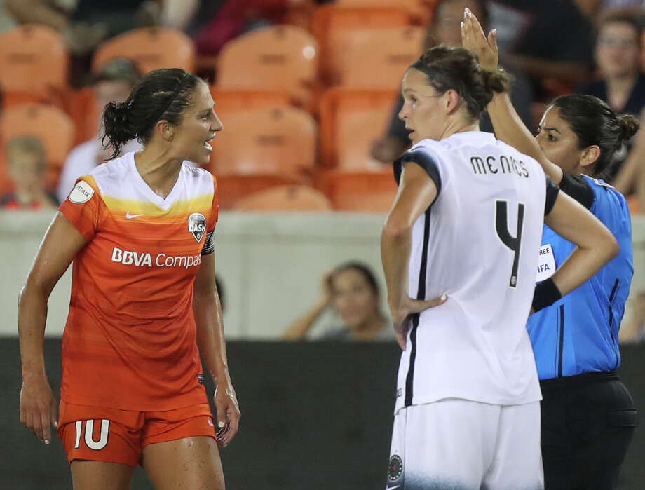 Houston Dash forward Carli Lloyd (10)  argues with Referee Christina Unkel for a red card against her during the second half of the game at BBVA Compass Stadium Saturday, July 8, 2017, in Houston. ( Yi-Chin Lee / Houston Chronicle ) Photo: Yi-Chin Lee/Houston Chronicle