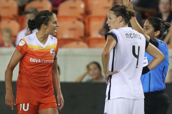 Houston Dash forward Carli Lloyd (10)  argues with Referee Christina Unkel for a red card against her during the second half of the game at BBVA Compass Stadium Saturday, July 8, 2017, in Houston. ( Yi-Chin Lee / Houston Chronicle )