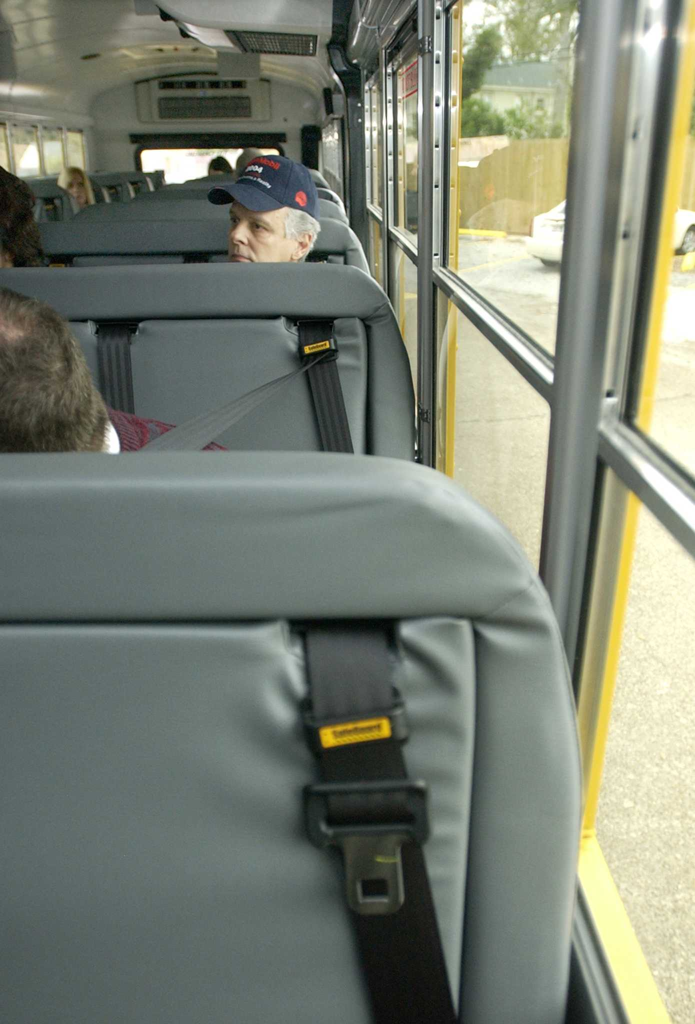 Pet Seat Belt >> Texas senators respond to concerns on bus seat belt law - Houston Chronicle