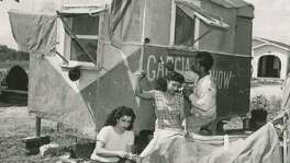 La Carpa García, a touring family circus troupe, was one of several based in San Antonio during the first half of the 20th century.