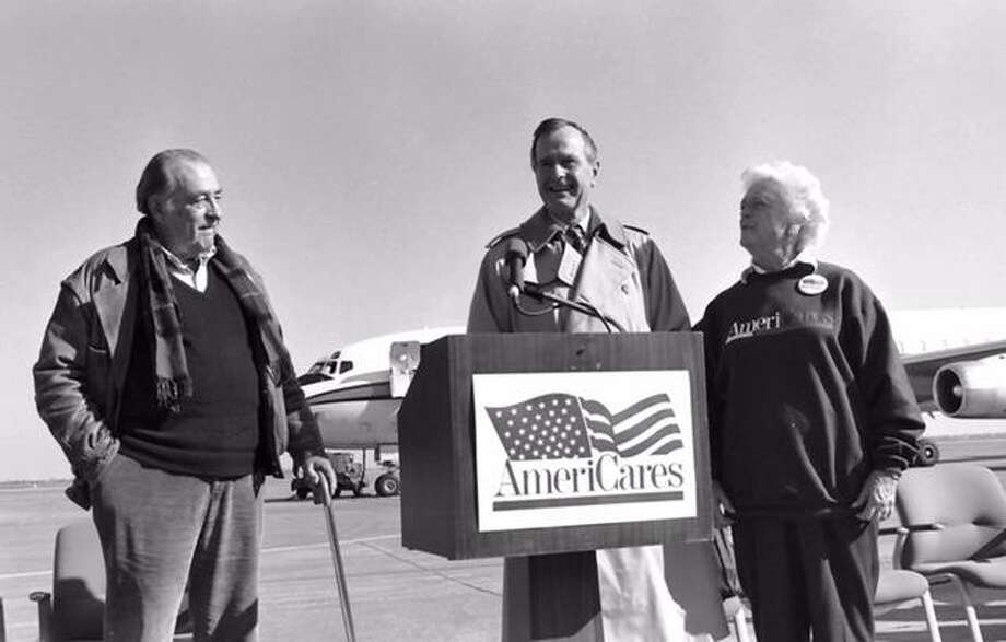 Americares founder, Bob Macauley, with President George H.W. Bush and Barbara Bush in 1993. Photo: Phil Farnsworth / / Copyright 2002