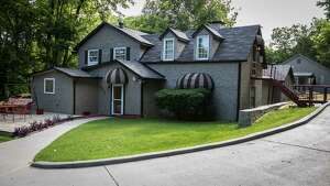 Dolly Parton's former home at 3146 Glencliff Rd in Nashville is on the market for $1.2 million.