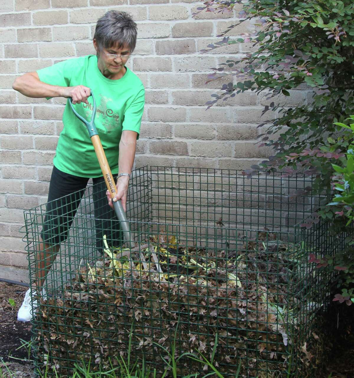 Learn how to transform your yard trimmings, grass clippings and leaves into fertile compost that will help enrich your garden at the Backyard Composting Workshop hosted by Missouri City Green and led by Fort Bend Master Gardeners on Saturday, August 19 at 9-11am at the Missouri City Recreation and Tennis Center located at 2701 Cypress Point Dr. Check-in is 8:30 am and the $20 registration fee includes one FREE compost bin valued at $60. Family members accompanying a registrant may attend at no cost.For more information and to register online, visit www.missouricitygreen.org. Email questions to info@missouricitygreen.org.
