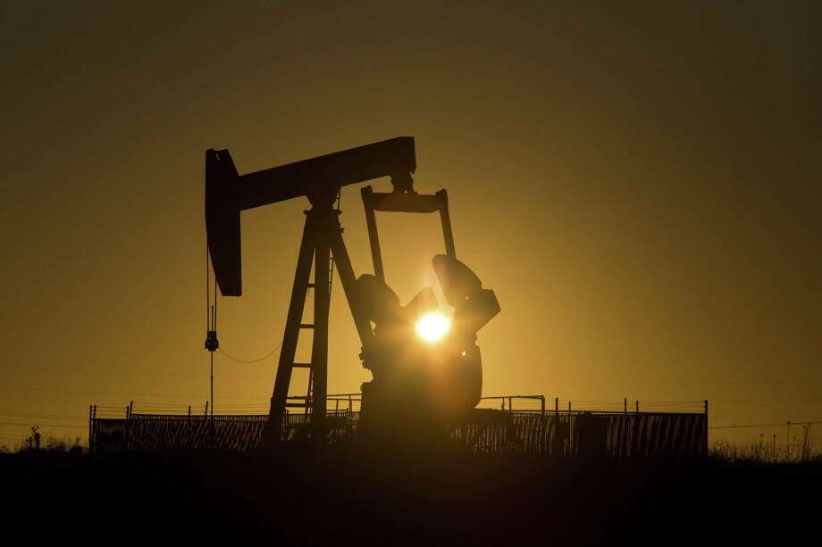 A pump jack in Midland, Texas, Jan. 29, 2016. A federal appeals court ruled in July 3 that the Environmental Protection Agency cannot suspend an Obama-era rule to restrict methane emissions from new oil and gas wells. Photo: MICHAEL STRAVATO /NYT / NYTNS