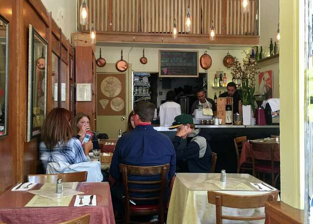 Focaccia lovers tread well-worn path to L'Osteria in North Beach