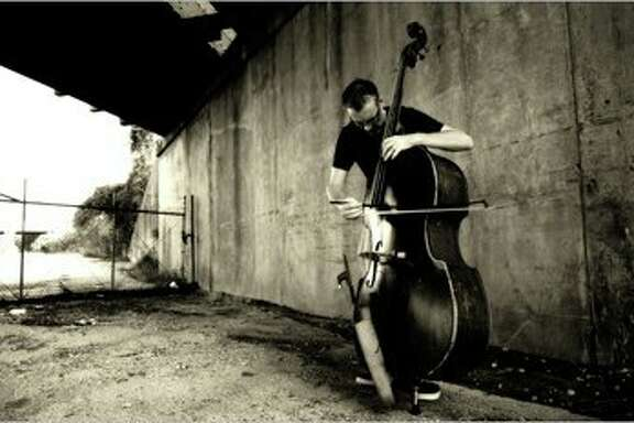 Jazz bassist Thomas Helton